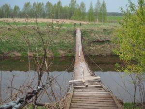 Подвесной мост через Сестру в деревне Липино