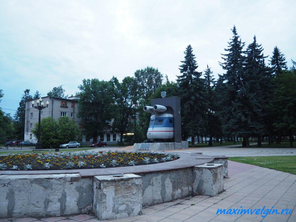 памятник поезду в Твери 3